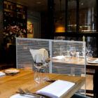 Izolációs fal éttermeknek redőny hatású kivitelben