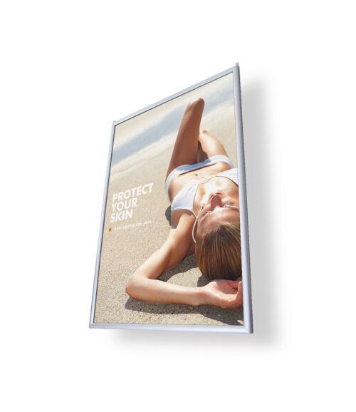Kétoldalas, becsúsztatható plakátkeret, derékszögű sarok